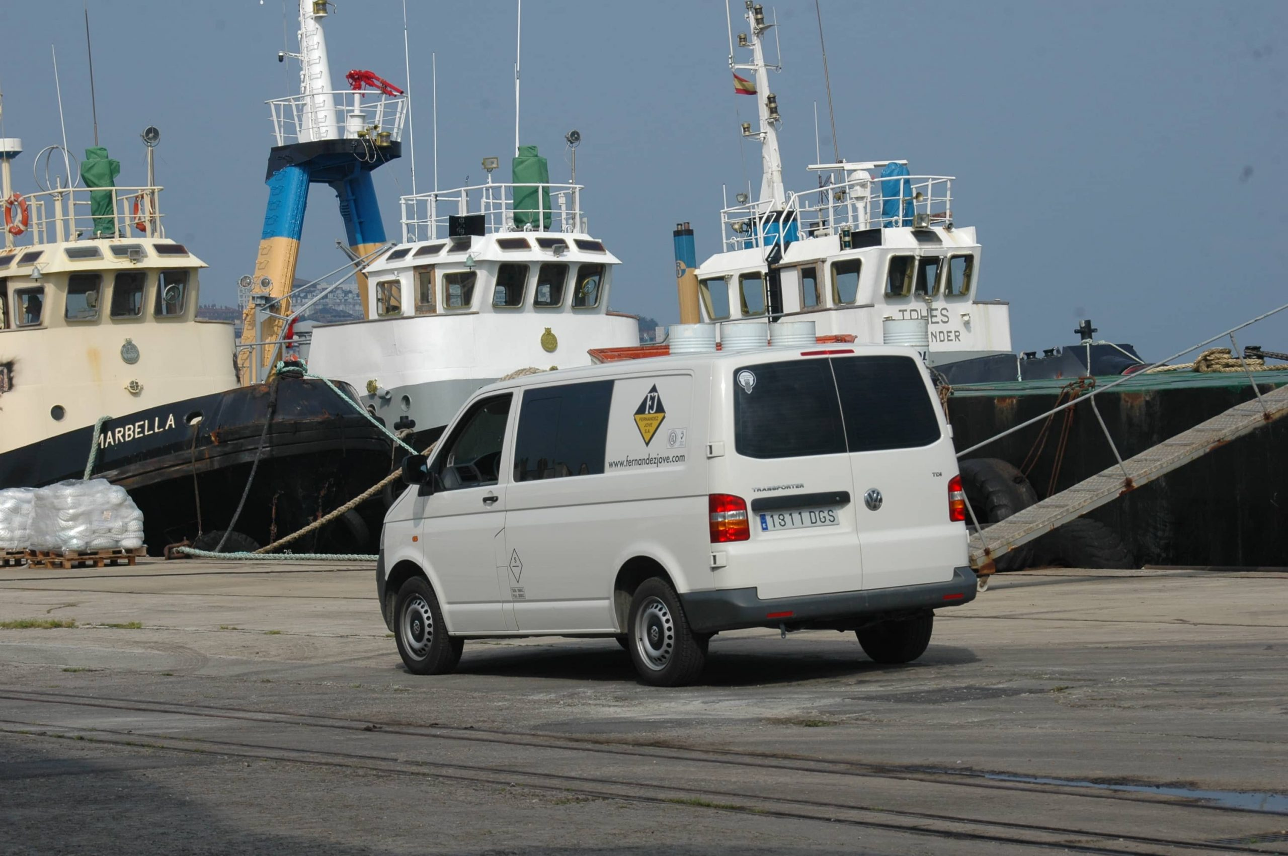 Reparación naval urgente