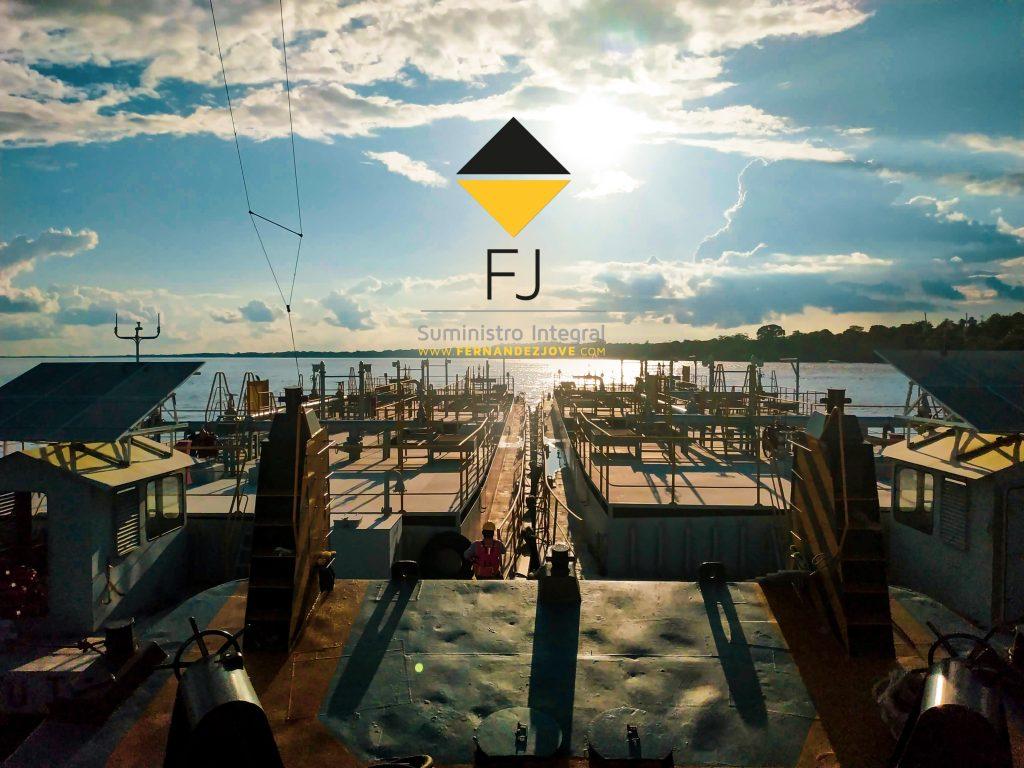División de sistemas: Barcazas de combustible en Iquitos, Perú